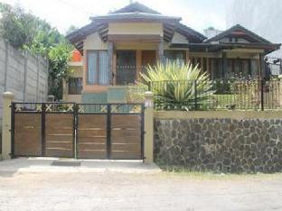 Villa Bukit Dago Pakar