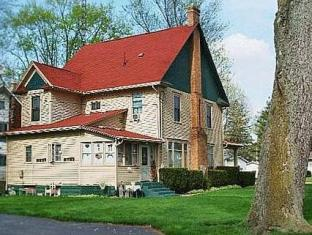 The Homespun Country Inn Bed And Breakfast Nappanee (IN) - Exterior