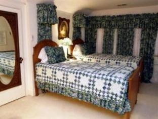 Brass Pineapple Bed And Breakfast South Charleston (WV) - Guest Room