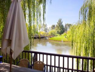 Perricoota Vines Retreat Moama - View
