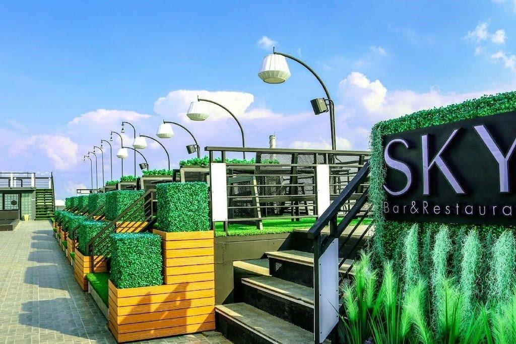 Suvarnabhumi Airport 5 min & few walk Paseo Mall 1