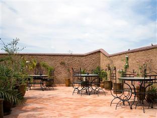 Riad Azalia Marrakech - Hotellet från utsidan