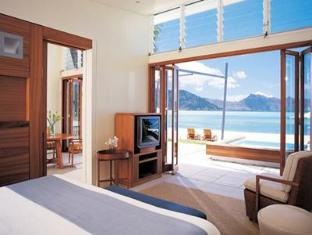 Hayman Island Resort Whitsundays - Room Interior