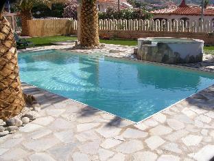 Appartamento con piscina sul mare