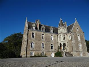Chateau du Deffay Bed and Breakfast