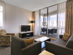 booking Sydney Meriton Serviced Apartments Zetland hotel