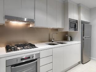 Meriton Serviced Apartments Zetland guestroom junior suite