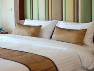 Villa Korbhun Khinbua guestroom junior suite