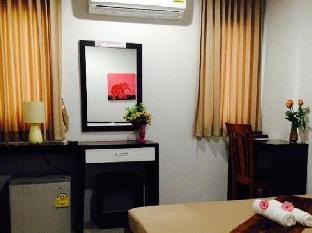 Noble Uhouse guestroom junior suite