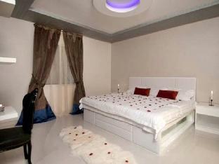 Dior Apartments
