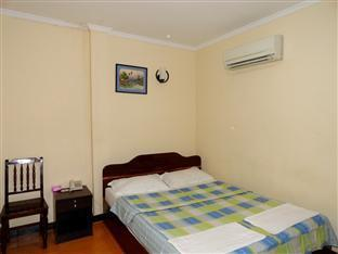 Khun Leng Guesthouse Phnom Penh - Double Bedroom with AC