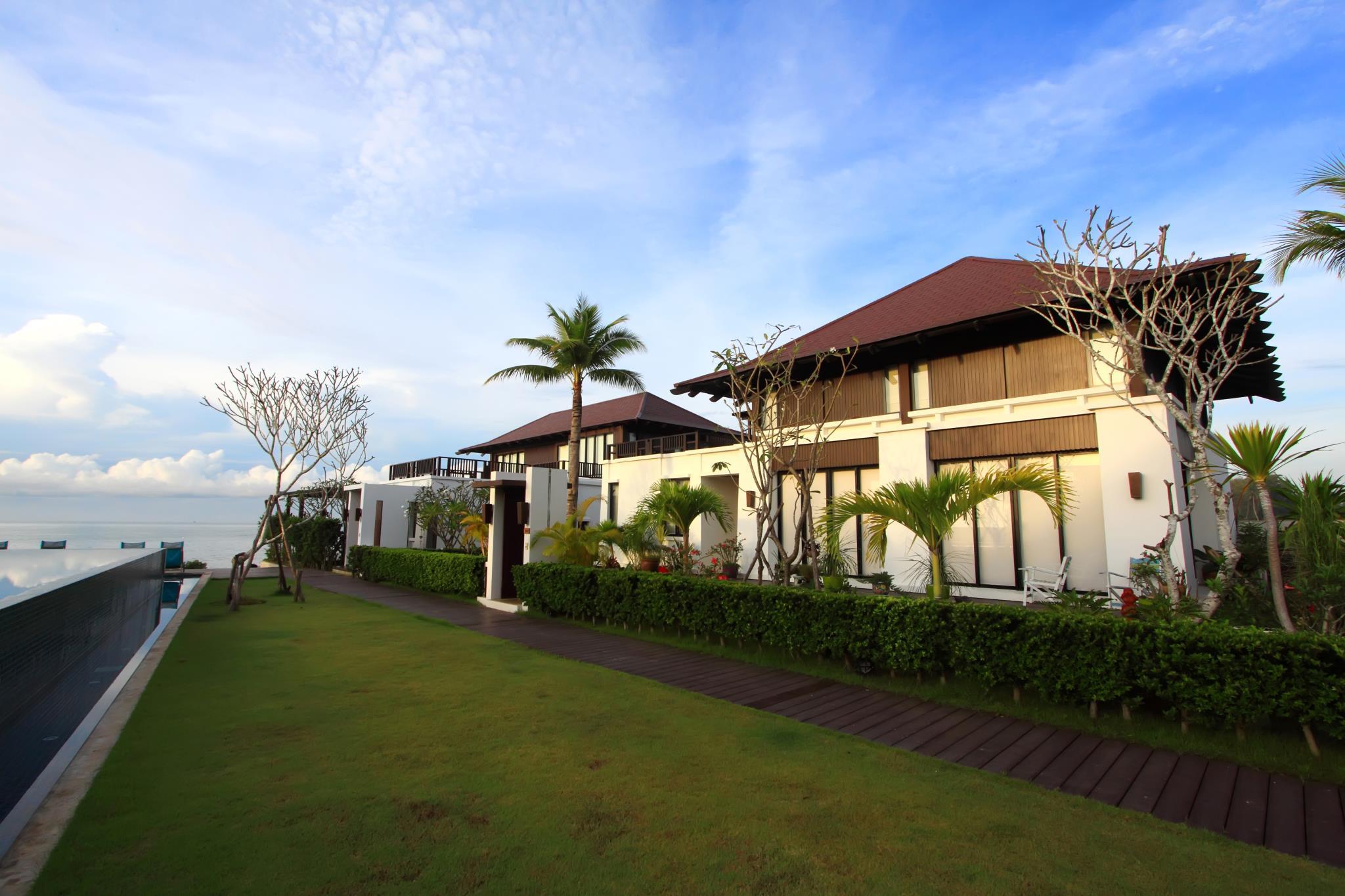 The Oriental Beach Resort,ดิ โอเรียนทอล บีช รีสอร์ท