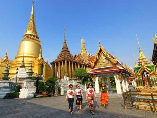 The Royal ThaTien Village Bangkok - Temple of Emerald Bhuda
