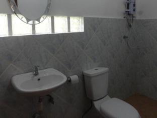Mayas Native Garden Resort Cebu - Bathroom