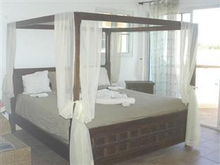 hotels.com Blue Fish Condo at Perla Marina