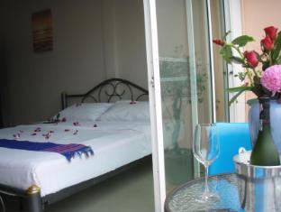 JJ&J Patong Beach Hotel Phuket - Hotellihuone