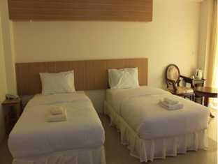 ヴィーラニャ ヴィル ホテル Veeranya Vill Hotel