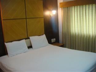 โรงแรมสวนวรุณ