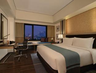 Philippines Hotel Accommodation Cheap | Seda Bonifacio Global City Manila - Deluxe King