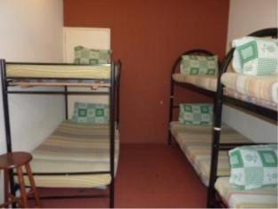 B&B Inn Kuching - Male Dormitory Fan Shared Bathroom