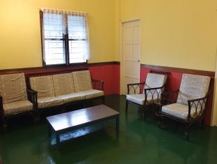 B&B Apartment Style Unit Kuching - Living Room