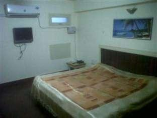 Hotel Raj Deluxe Аллахабад