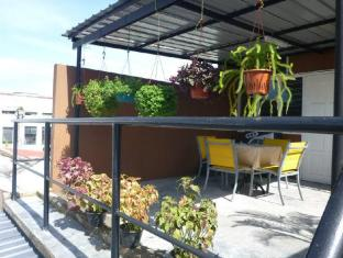 Batu Bata Guesthouse Kuching - Rest Area