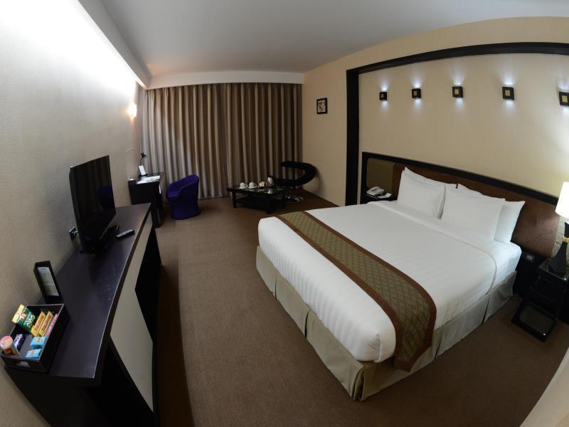 アヴェヌー 64 ホテル