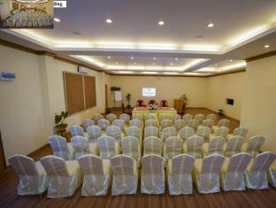 Pine Hill Resort Kalaw - Ballroom