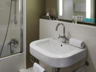 Mercure Paris Royal Madeleine Hotel Paris - Bathroom
