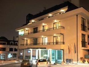 Hotel Vitosha Tulip Sofia - Hotel outside