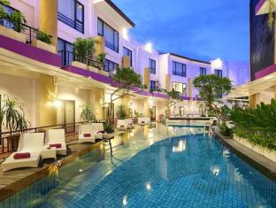 Kuta Central Park Hotel Bali - Outdoor swimming pool