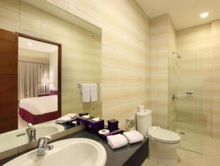 Kuta Central Park Hotel Bali - Private Shower in all room