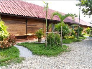 Little Home Resort guestroom junior suite