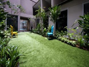 V Hotel Bencoolen Singapore - Garden