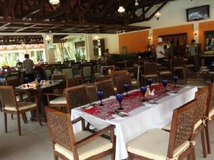 Sibu Island Resort Mersing - Lumba-Lumba Coffee House
