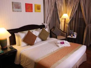 Sibu Island Resort Mersing - Superior Room - King Bed