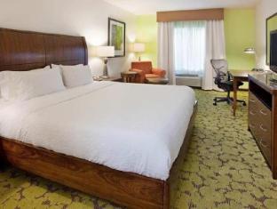 Interior Hilton Garden Inn Boca Raton Hotel