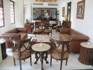 Ashok Country Resort New Delhi and NCR - Hotel Lobby