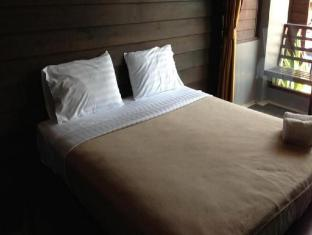 Naraya Riverside Resort Suratthani - Guest Room