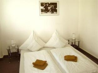All Suite Hostel near Brandenburg Gate Berlin - Guest Room