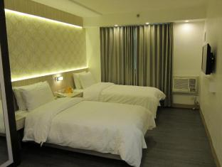 The Charter House Manila - Superior Room