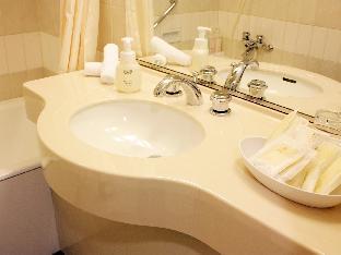 Hotel Crown Palais Kobe image