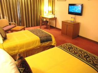 Grand Continental Kuching Hotel Kuching - Hotellihuone