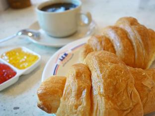Lek Villa Pattaya - Continental Breakfast