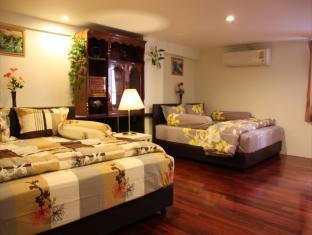 Suites 31 Sukhumvit guestroom junior suite