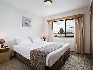 Riverside Hotel Motel2