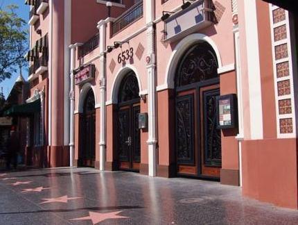 Classic Hollywood Studio Apartment Deals