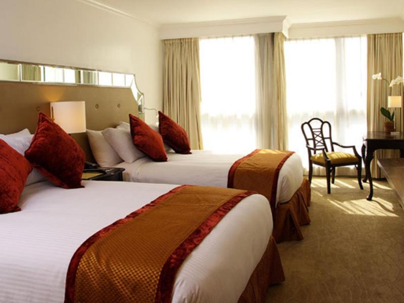 ディスカバリー スイーツ ホテル (Discovery Suites Hotel)