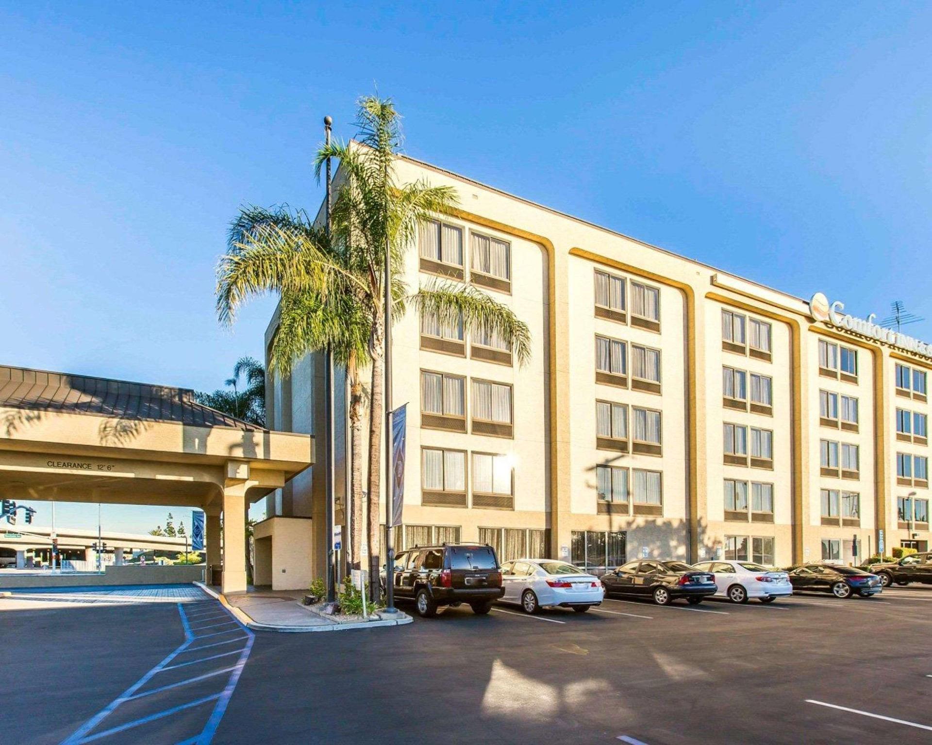 Comfort Inn Anaheim Resort image